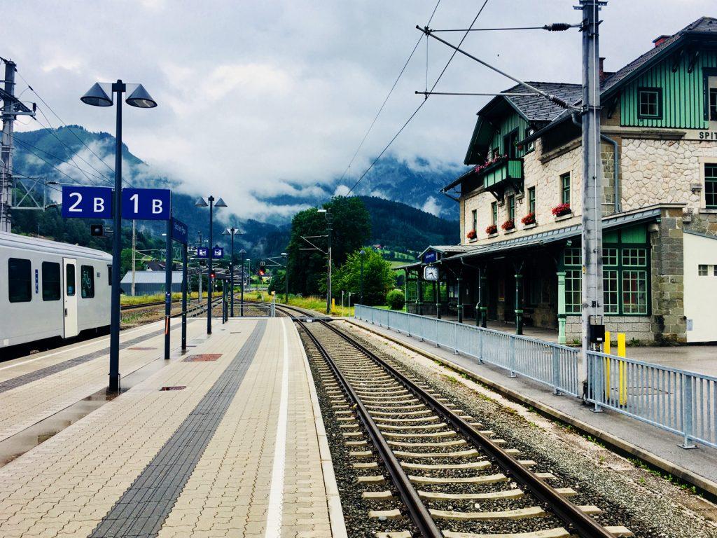 Einfahrt am Bahnhof in Spital am Pyhrn (Foto: Stefan Hochhold)